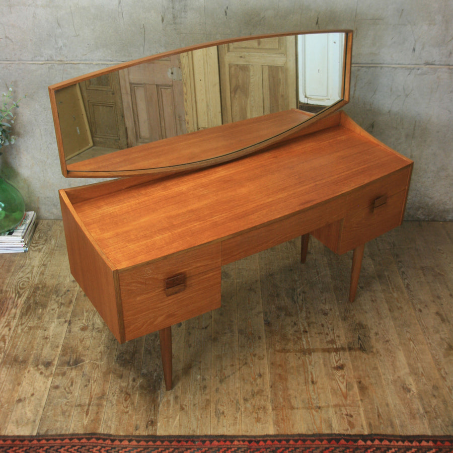 vintage_mid_century_teak_g_plan_kofod_larsen_dressing_table