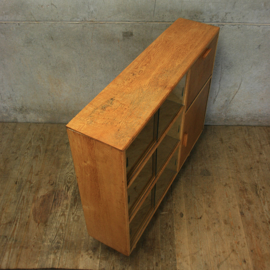 vintage_oak_display_cabionet_bar_drinks_cabinet