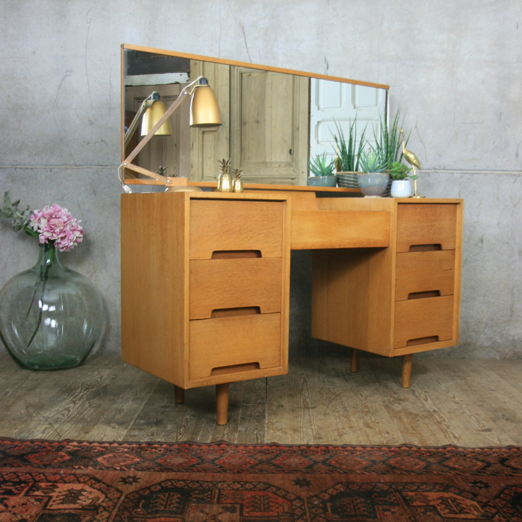 vintage_oak_stag_john_sylvia_reid_dressing_table