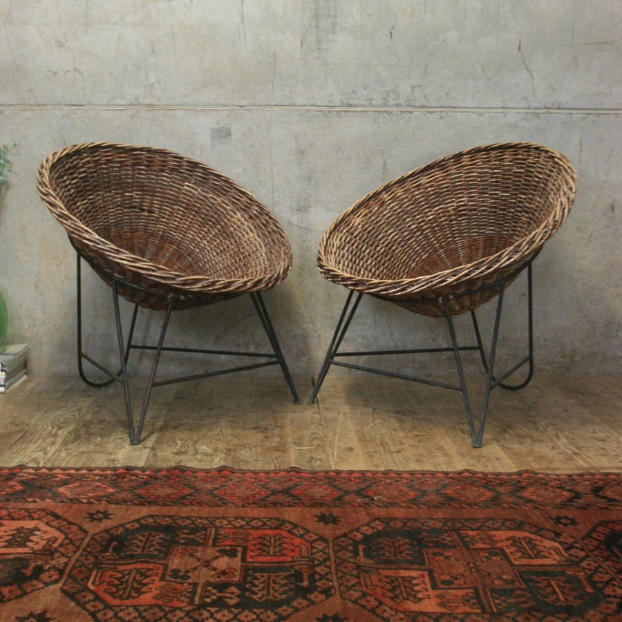 vintage_rattan_mid_century_albini_wicker_hairpin_tub_chair