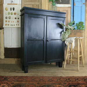 vintage_rustic_country_dresser_painted_cupboard