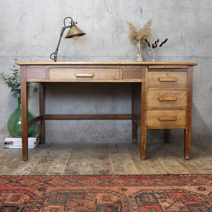 Vintage Rustic Oak Desk - 1712e