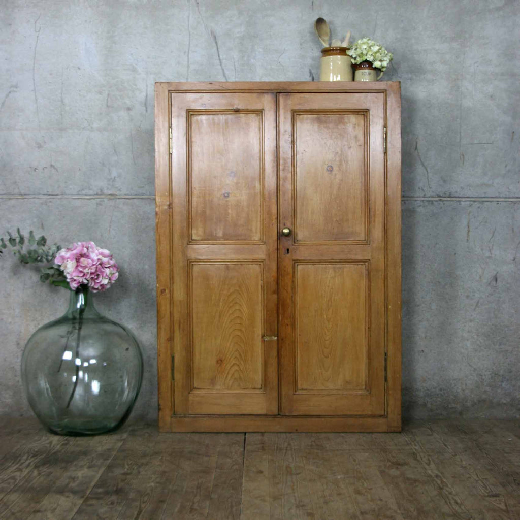 vintage_rustic_country_kitchen_pine_cupboard_cabinet