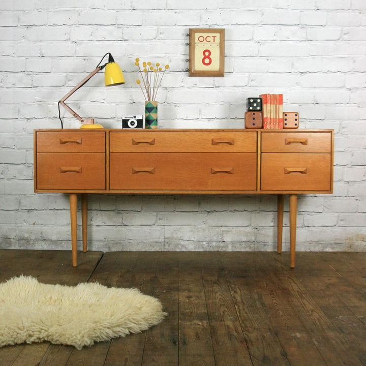 Mid Century Stag Oak Chest of Drawers/Sideboard