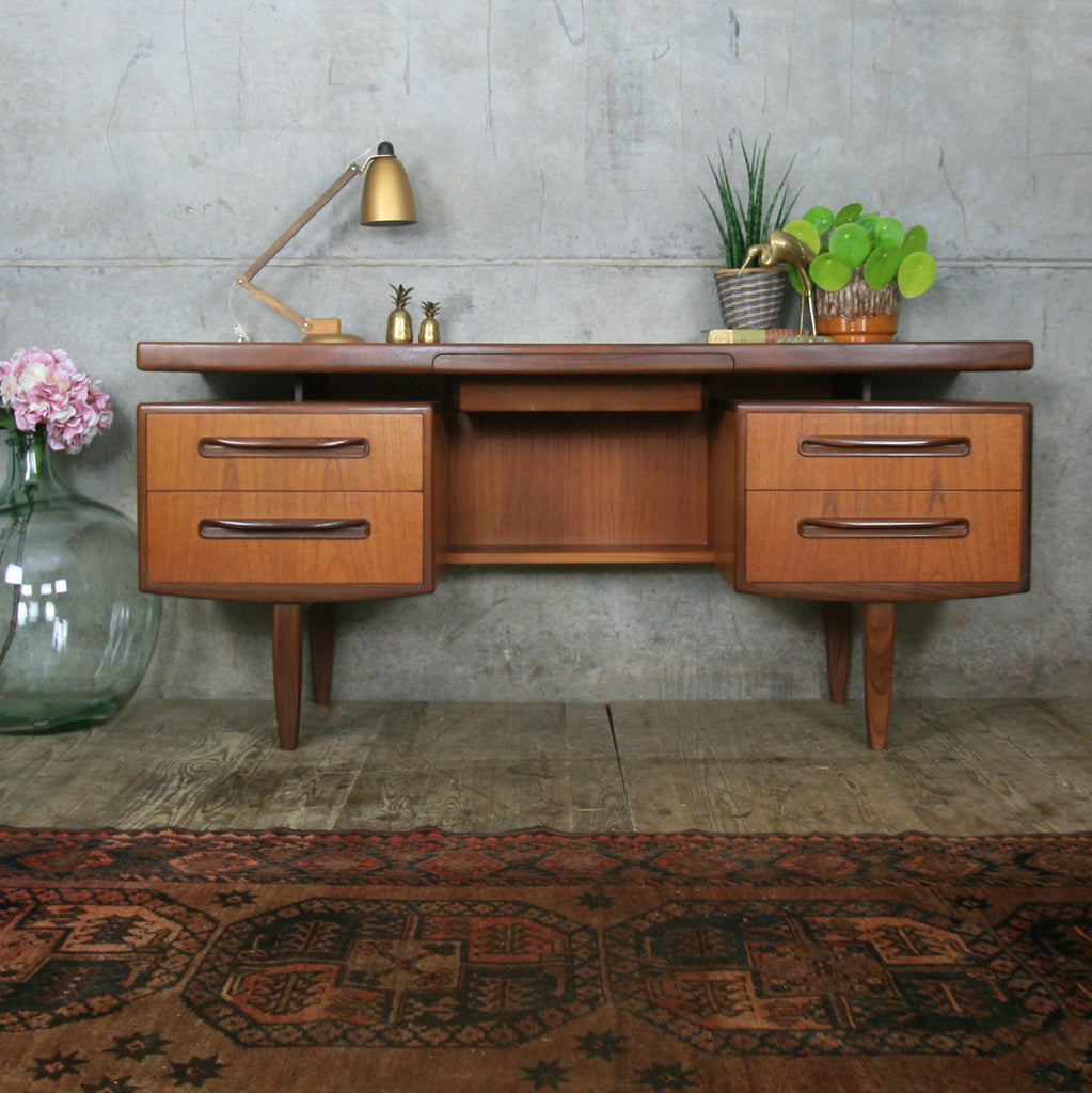 vintage_teak_g_plan_fresco_desk_dressing_table