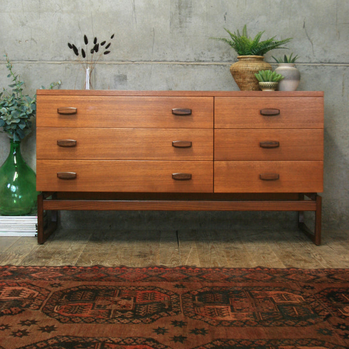 vintage_teak_g_plan_quadrille_drawers_sideboard