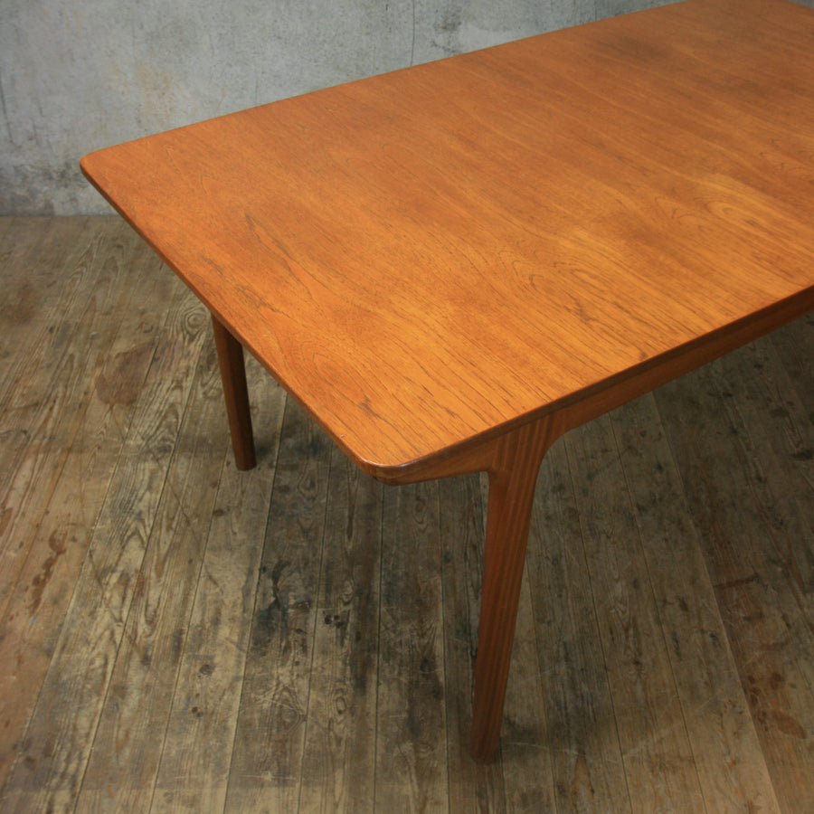 vintage_teak_mcintosh_extending_dining_table