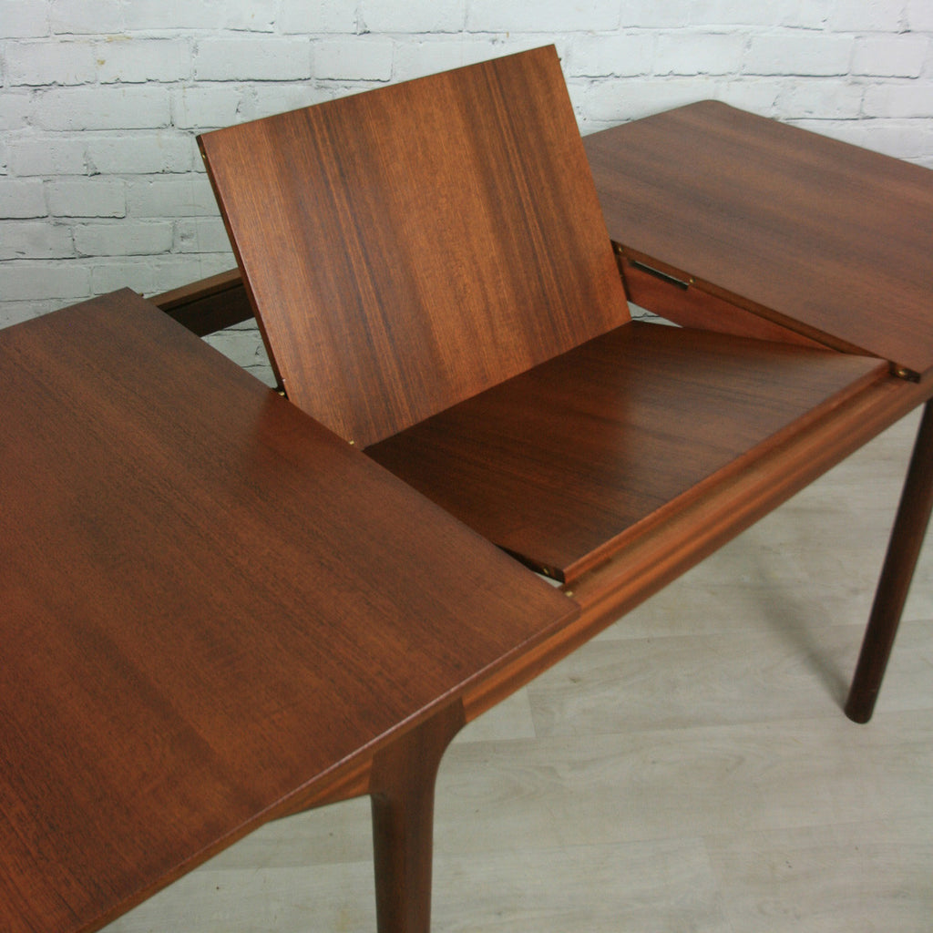 High Quality Vintage 1960s McIntosh Teak Extending Dining Table