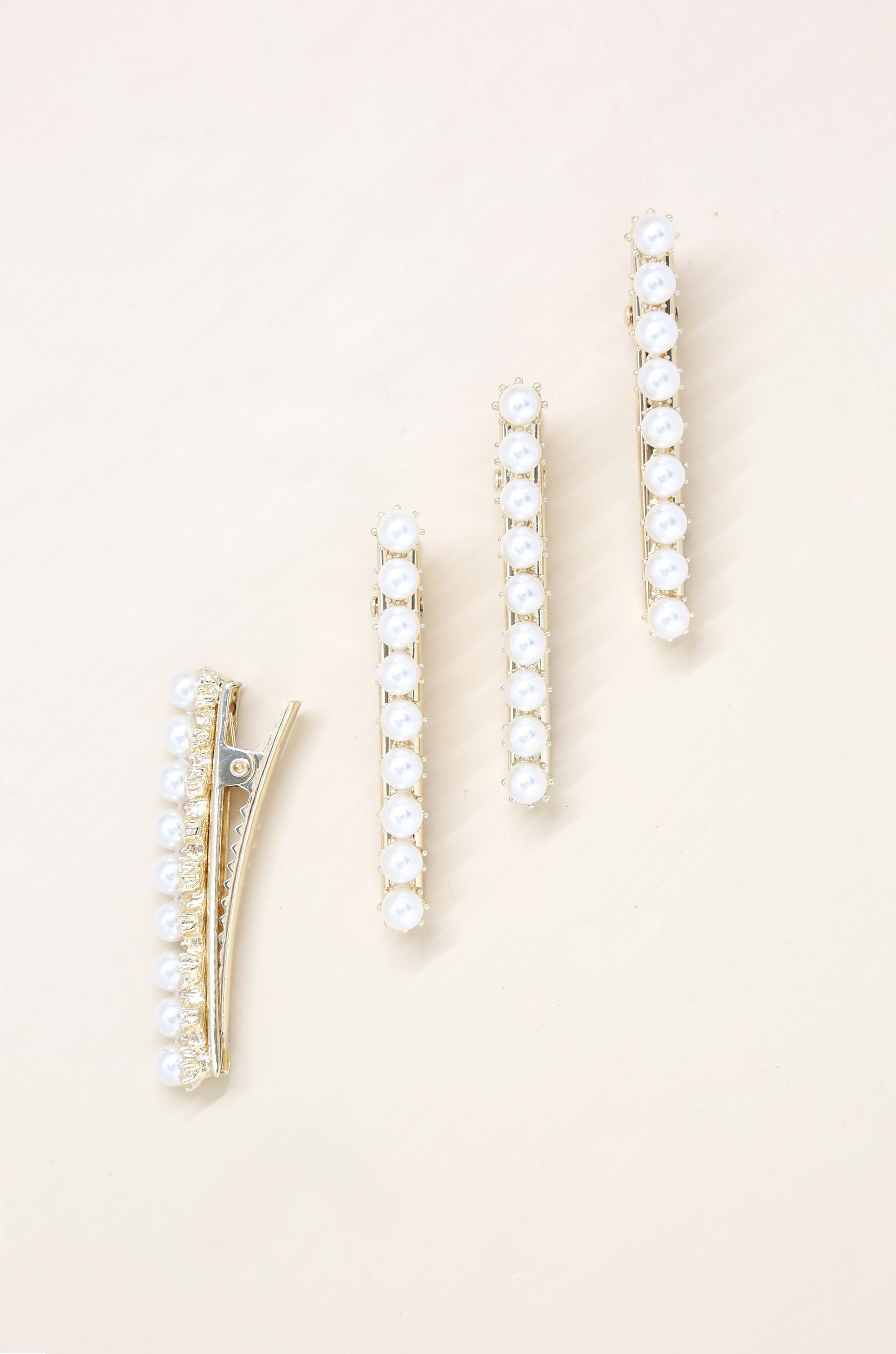 4pc Diana Pearl Hair Barrettes