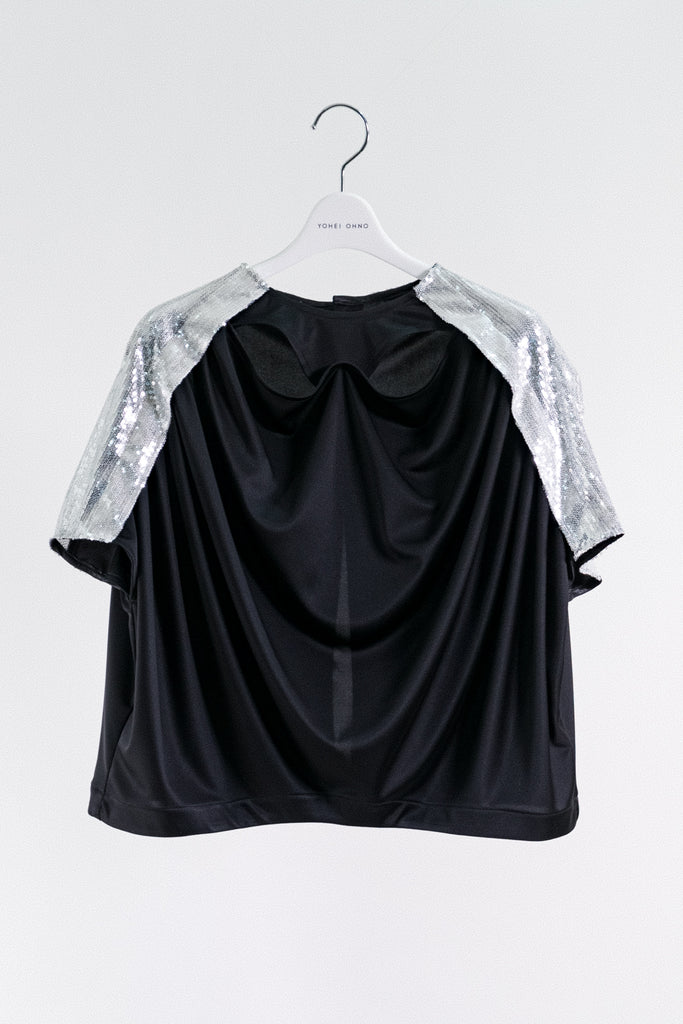 ≪PRE-ORDER≫ spangle sleeve drape satin top
