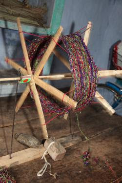 Making Net Scarves on a Nail Frame