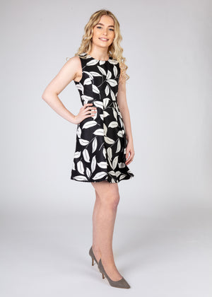 Sleeveless Leaf Patterned Dress