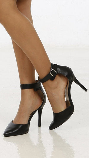 Pointy Toe Strap Pump