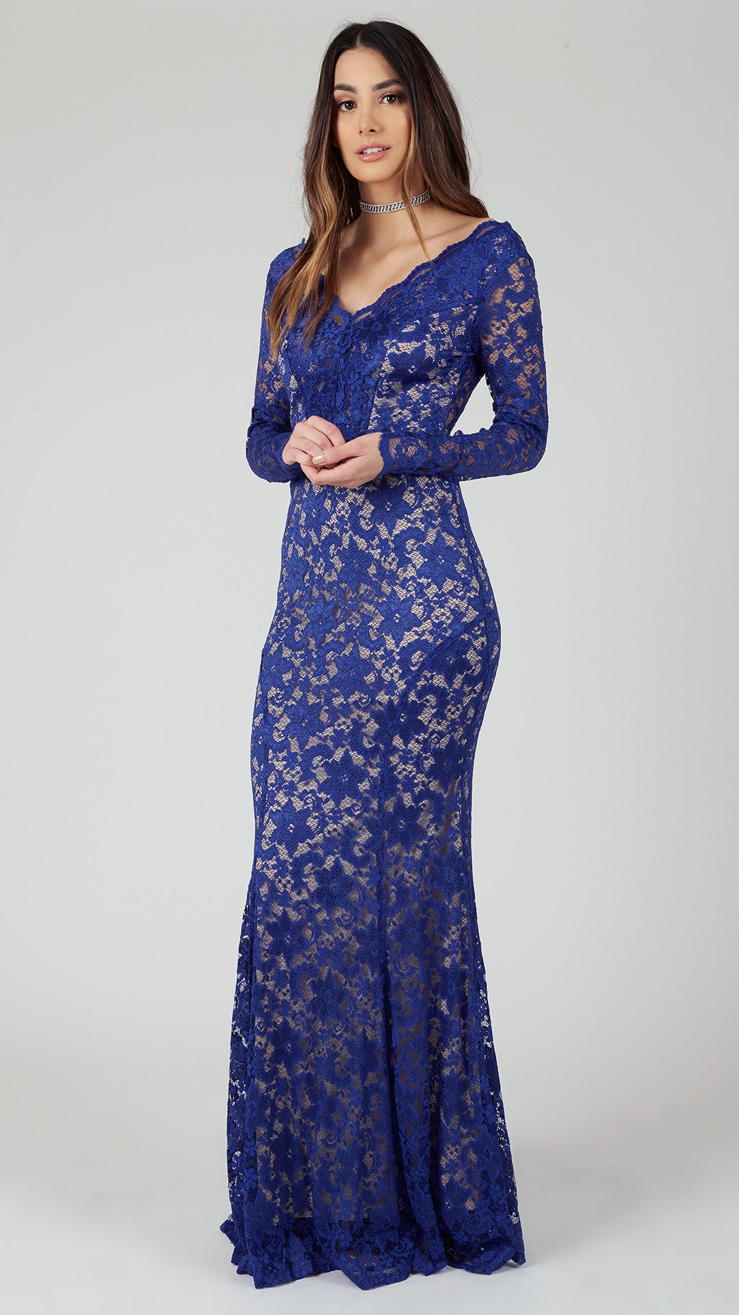Timeless or trending, our plus size maxi dresses make a style statement anywhere you go! A covetable selection, our cool maxi dress silhouettes run from strappy sundresses to flowy off-the-shoulder and kimono-style wrap dresses.
