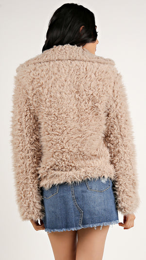Dana Fuzzy Short Coat...
