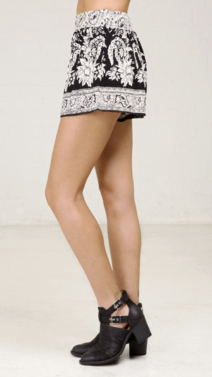 Bouquet Printed Shorts