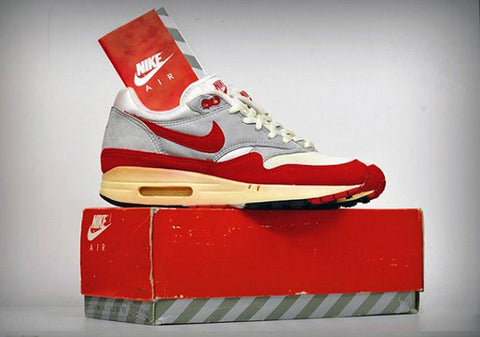 a28f019f74 30 Years of Air Max   Angelus Direct Custom Sneaker Paint