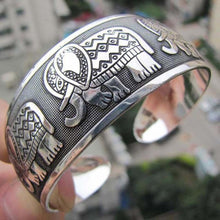 Load image into Gallery viewer, Elephant Bangle