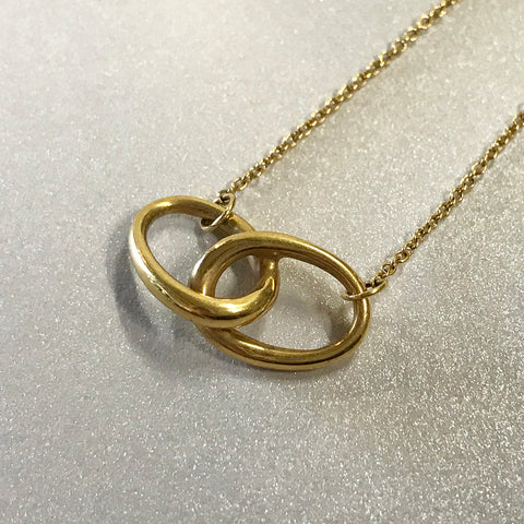 Tiffany & Co. Elsa Peretti Vintage 18k yellow gold interlocking ovals pendant/necklace