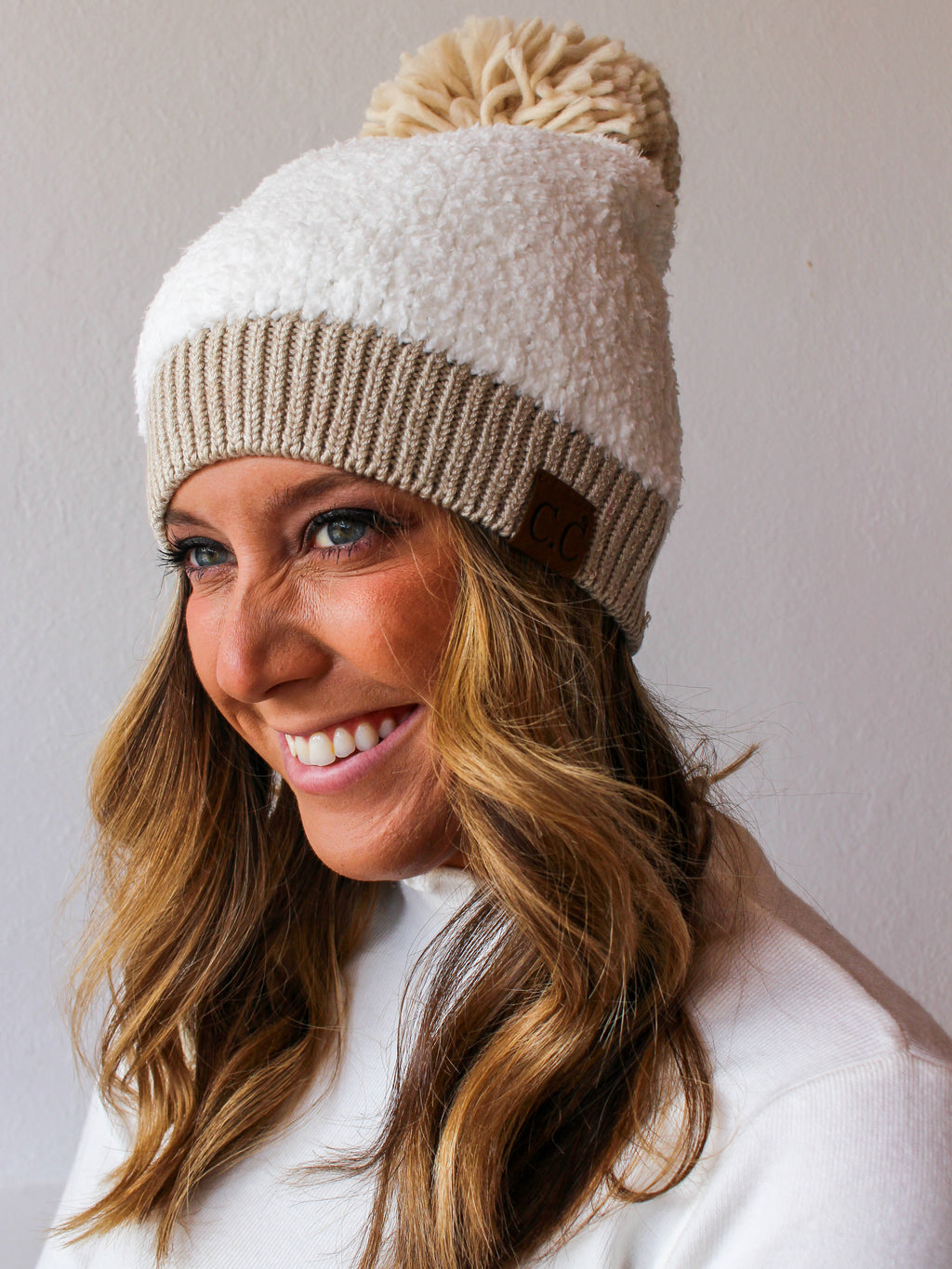 Seasons Changing Pom Beanie - White / Tan
