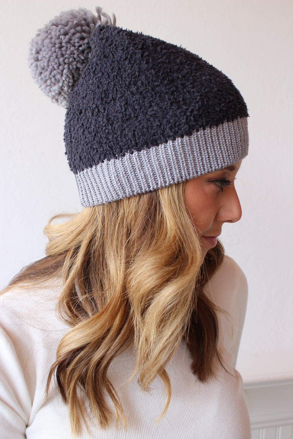 Seasons Changing Pom Beanie - Black/Grey