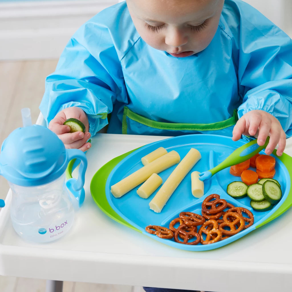 Kids using b.box feeding set
