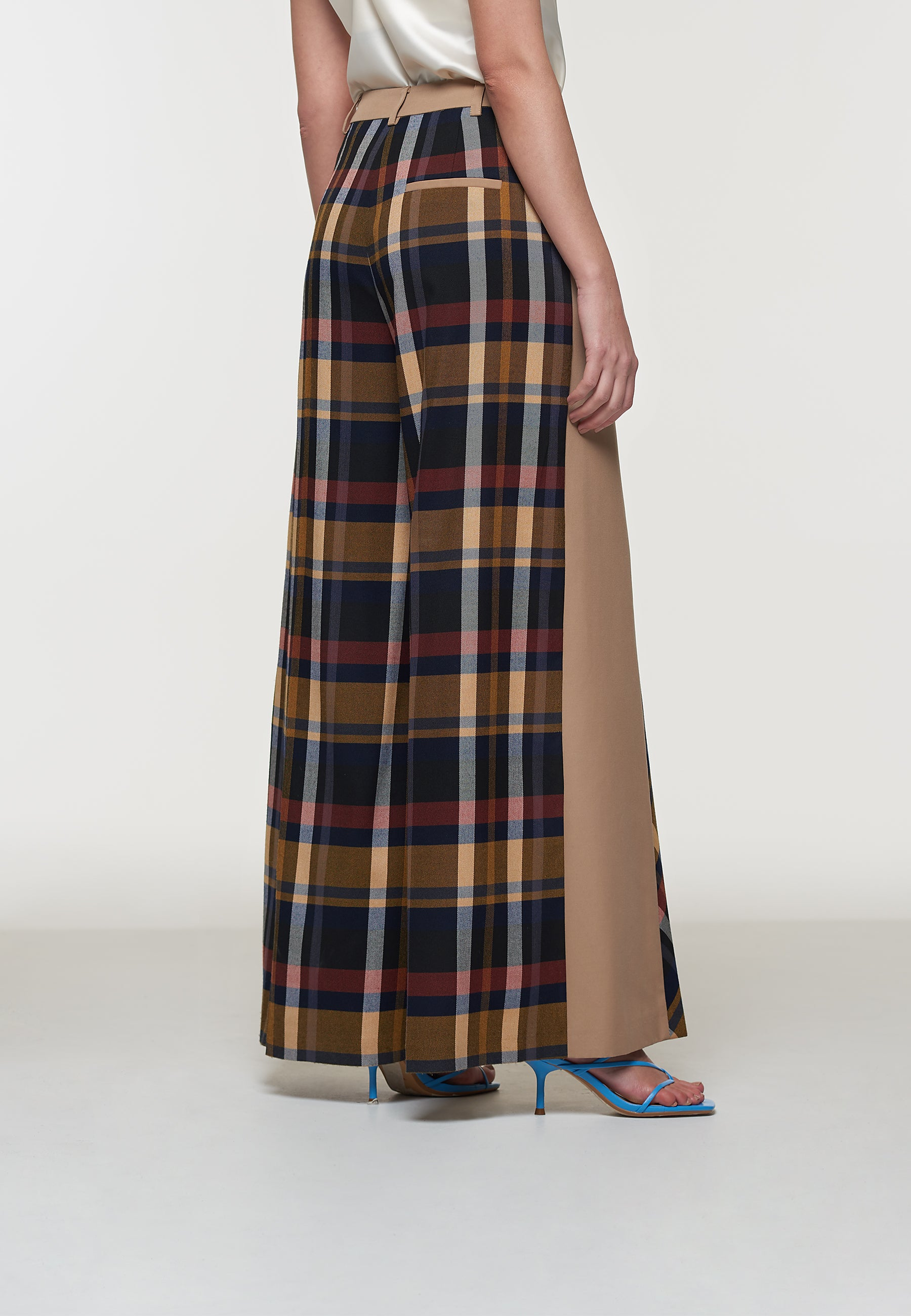 Load image into Gallery viewer, Kimmi Deconstructed Wide Leg Trouser