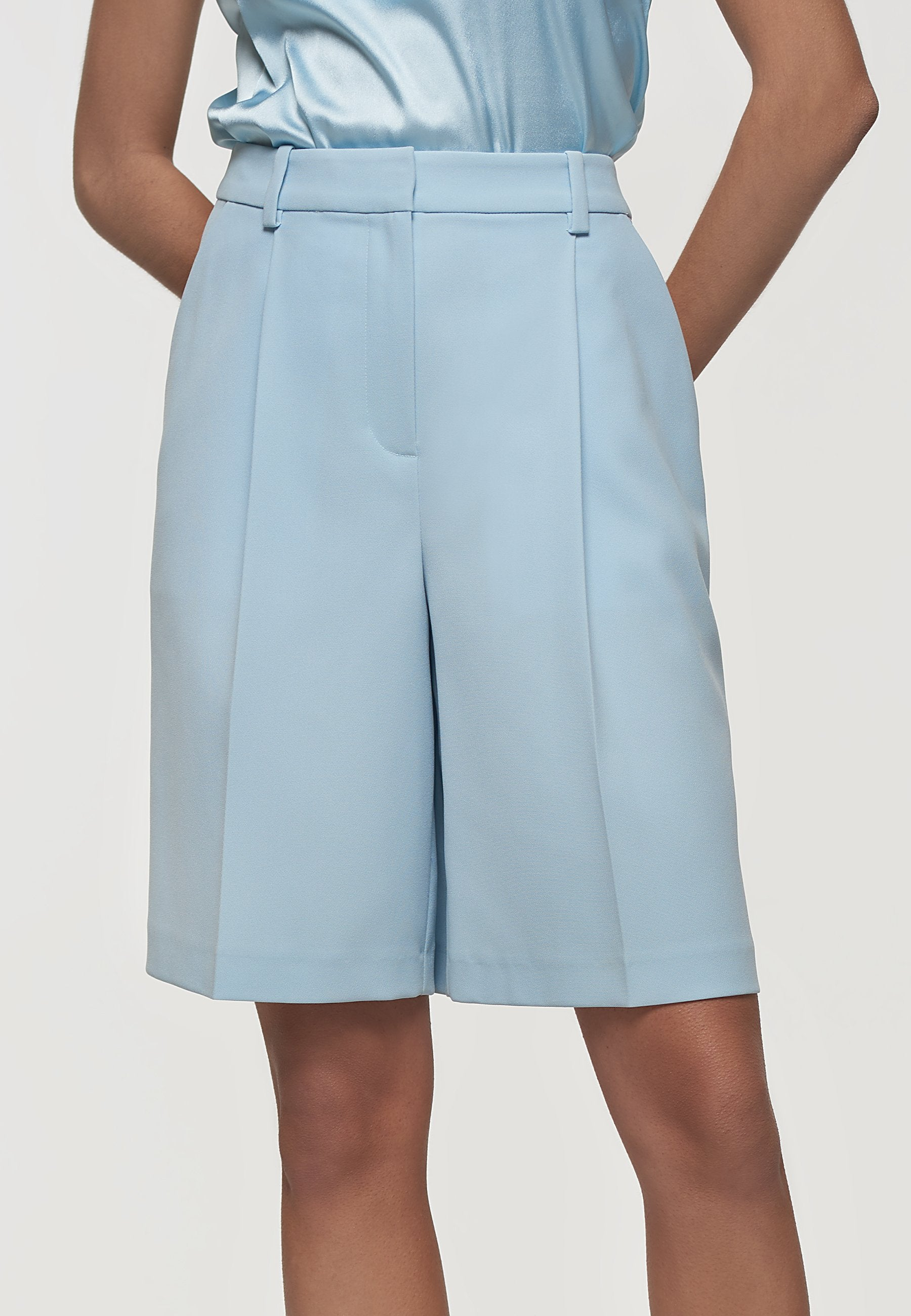 Load image into Gallery viewer, Palones Blue Clean Crepe City Shorts