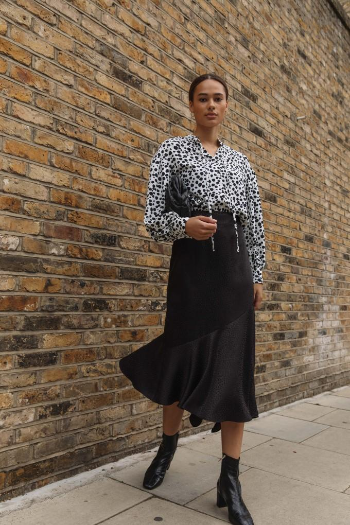 Load image into Gallery viewer, Palones Asymmetric Satin Midi Skirt in black