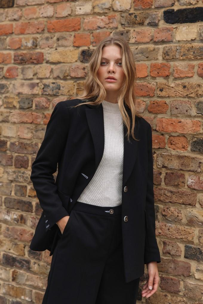 Load image into Gallery viewer, Palones Black Button Back Oversized Blazer