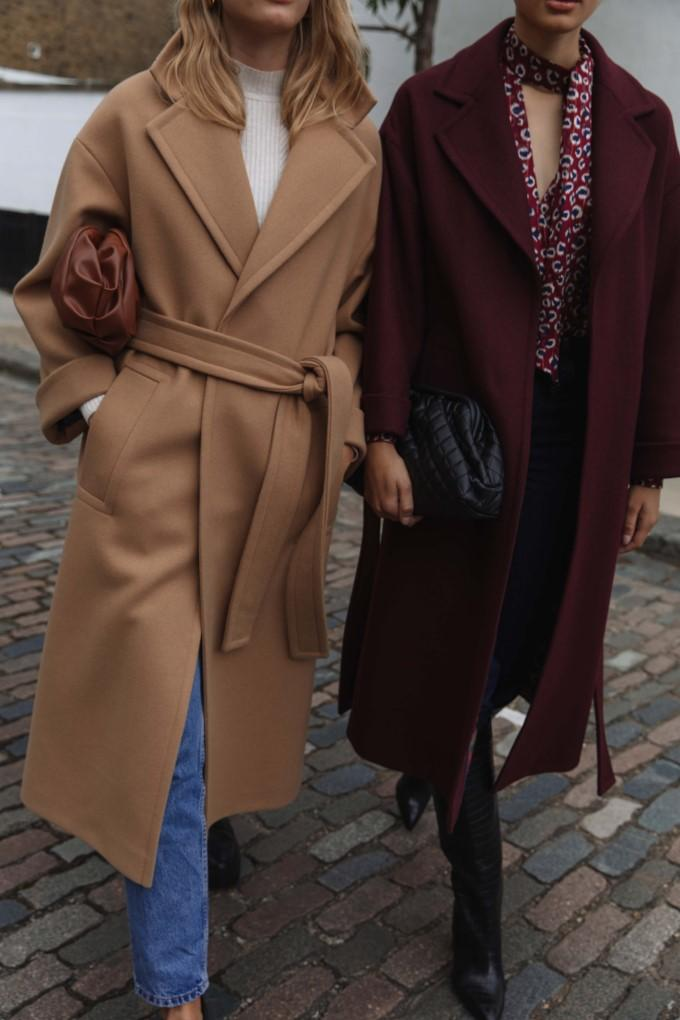 Load image into Gallery viewer, Palones Topstitch Belted Robe Coat in Tan and Burgundy
