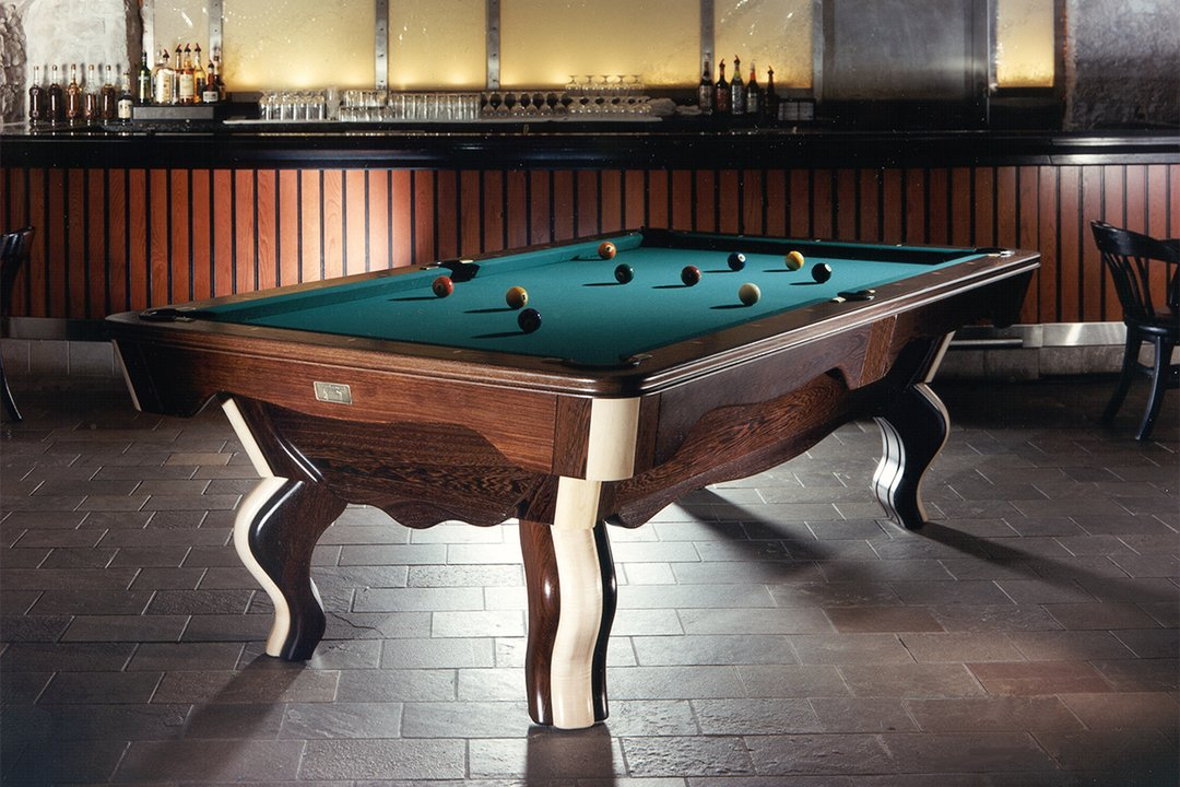 Château Pool Table