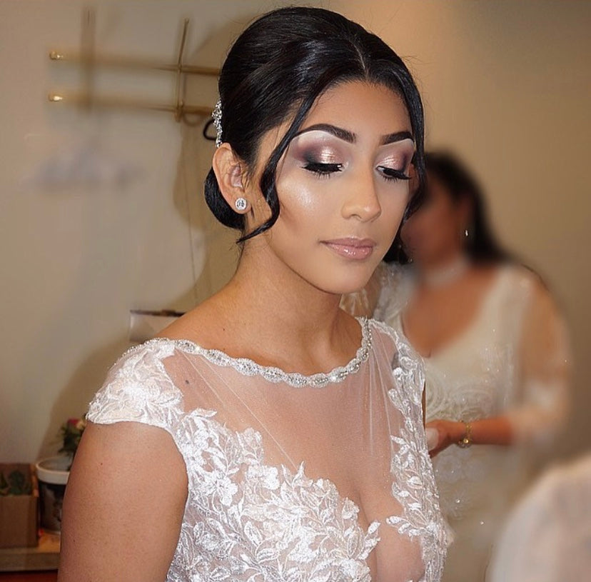 Top 10 Makeup Tips for Any Bride