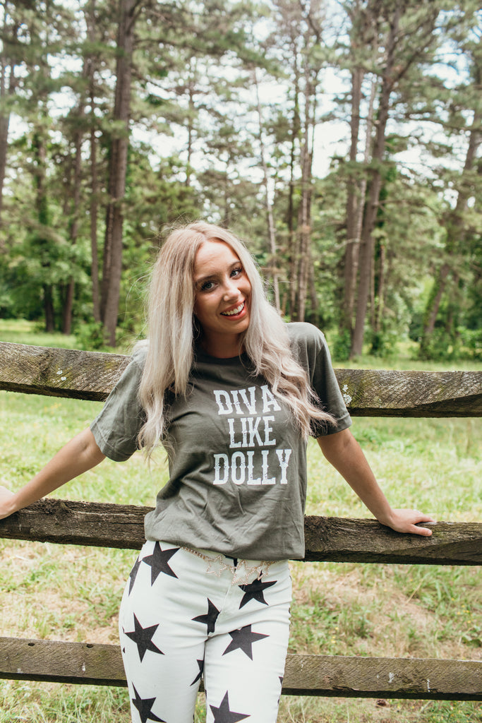 Blame It All On My Roots '20: Diva Like Dolly Tee