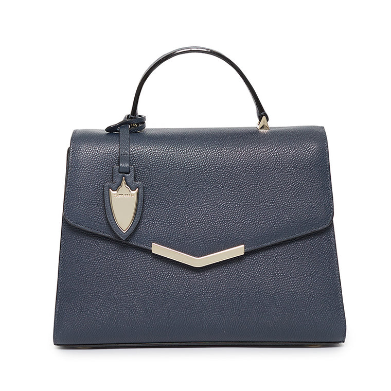 Ava Satchel in Midnight in Manhattan