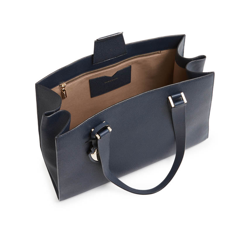 Tyler Tote in Midnight in Manhattan