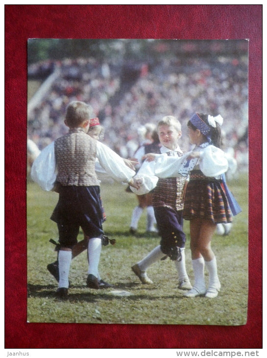 Estonian folk dancers - children - folk costumes - dance festival - large format card - 1975 - Estonia USSR - unused - JH Postcards