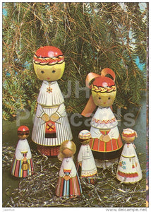 New Year Greeting card - 1 - wooden dolls in Estonian folk costumes - 1983 - Estonia USSR - used - JH Postcards