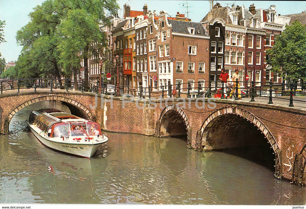 Amsterdam - The Keizersgracht Reguliersgracht at the seven bridges - boat - Netherlands - unused - JH Postcards