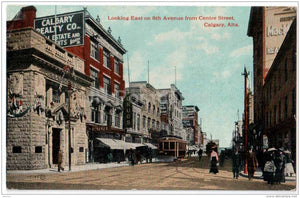 Looking East on 8th Avenue from Centre Street - tram - Calgary , Alta - Canada - old postcard - unused - JH Postcards