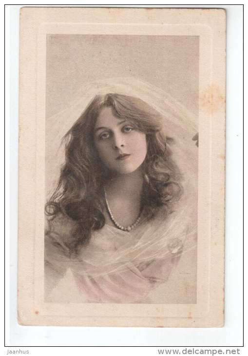 Young Woman - Serie 2373 - Wiener Rotophot - old postcard - circulated in Tsarist Russia Estonia Wesenberg - used - JH Postcards