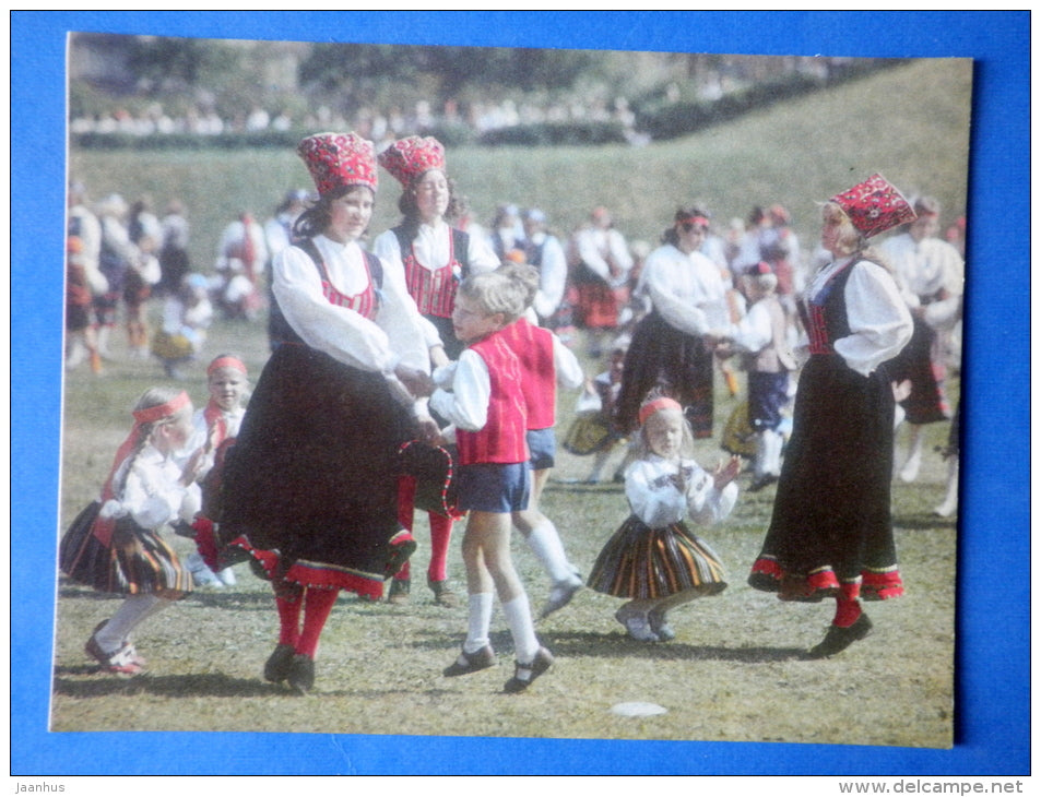 Estonian folk dancers 6 - folk costumes - dance festival - large format card - 1975 - Estonia USSR - unused - JH Postcards