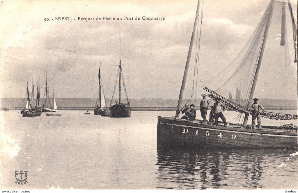 Brest - Barques de Peche au Port de Commerce - fishing ship - boat - 90  old postcard - 1919 - France - used - JH Postcards
