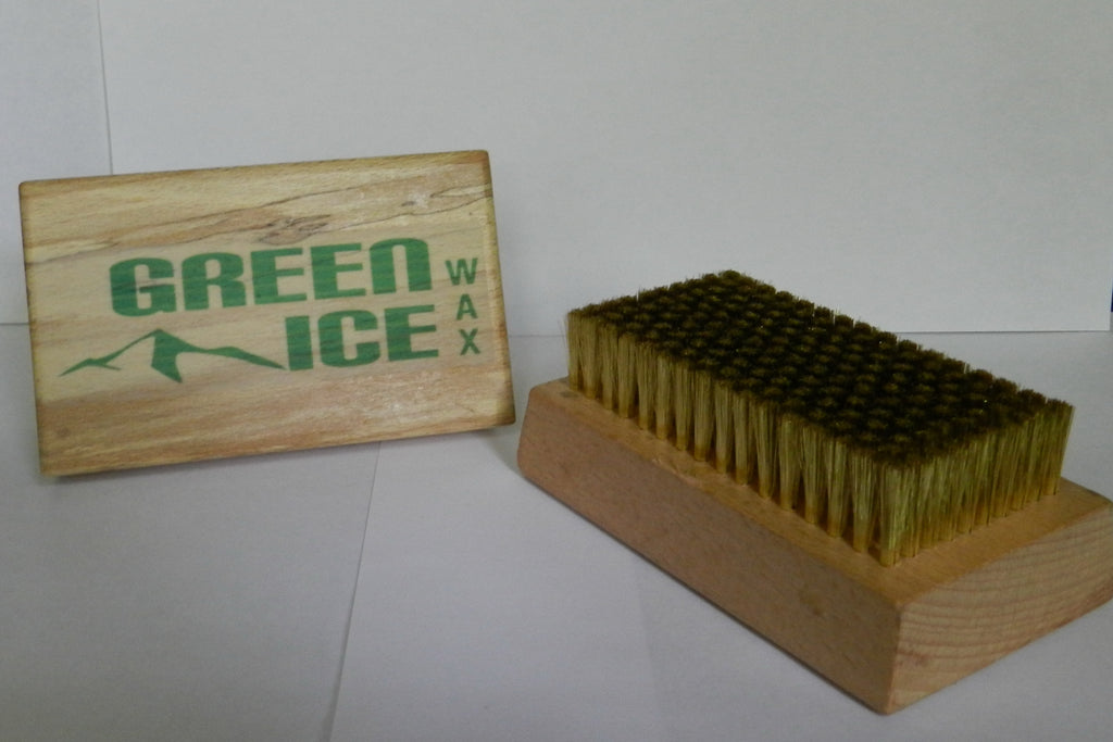 Ski and Snowboard brass brush