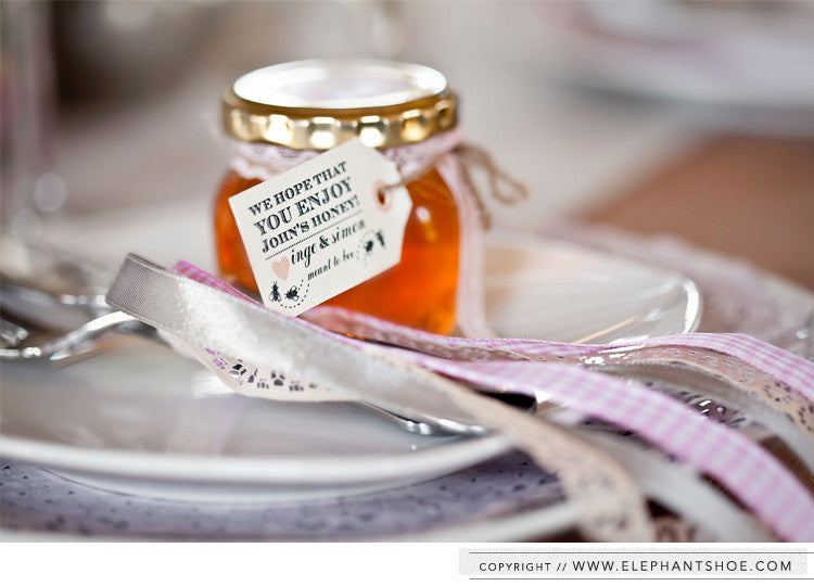 Honey sticker and labels // Photo by: Nikki M Photography