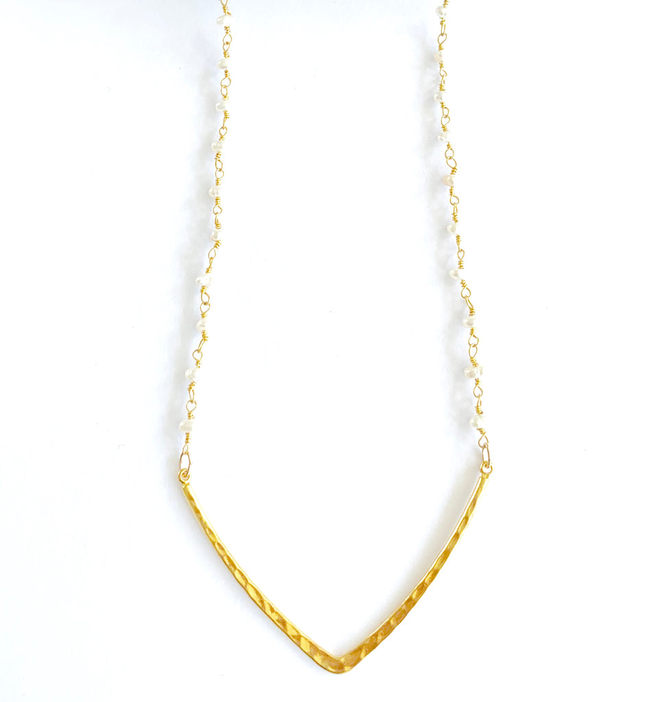 Pearl wire-wrap V necklace