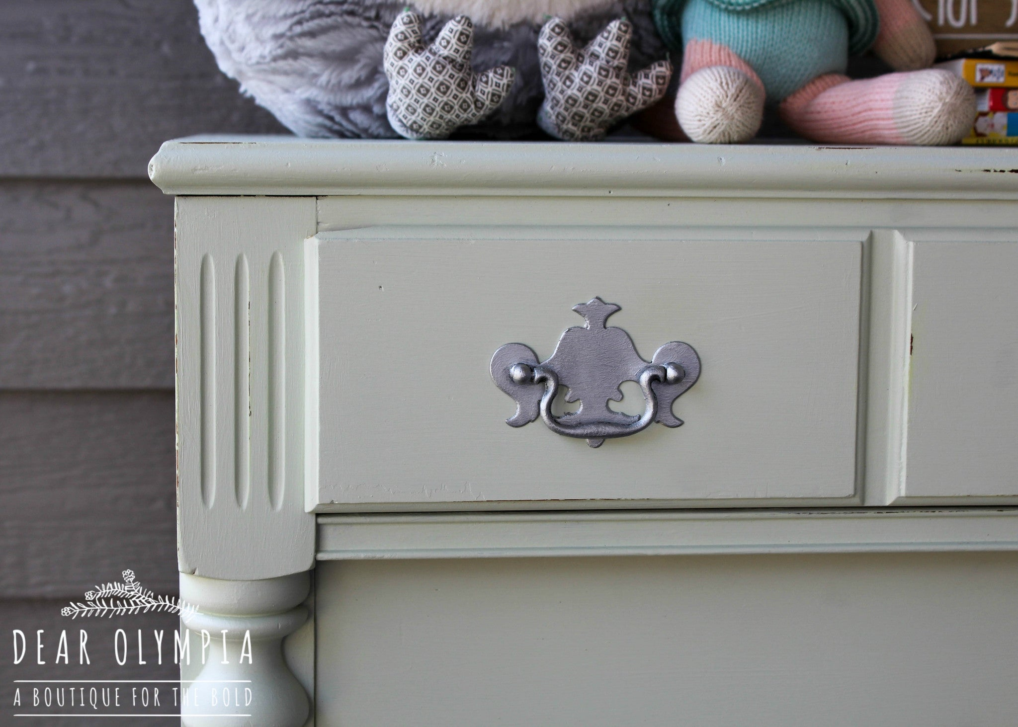 Nursery Chest of Drawers in Little Speckled Frog