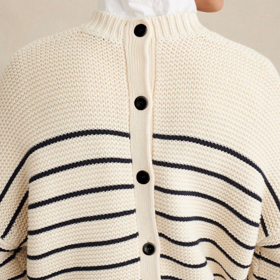 sault-new-englad-women-woman-sweater-usa-stripe-button-portsmouth-boston-summer-fashion-trend-style