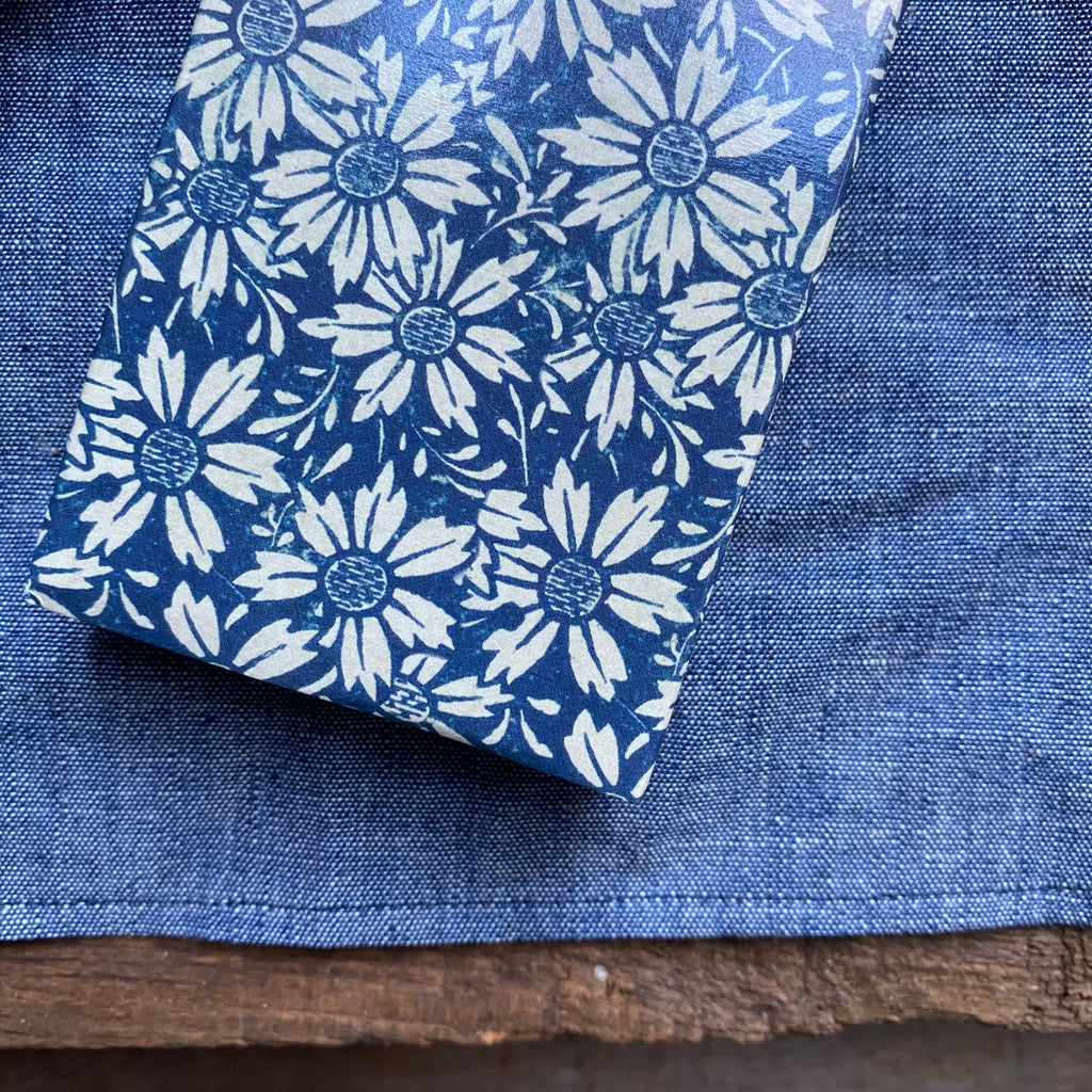 Blue Daisies Repeat Matches