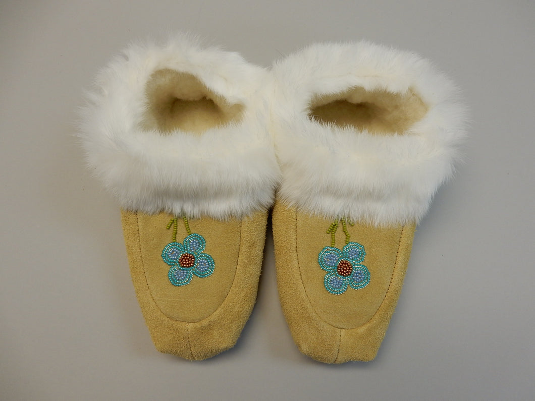 Moccasins, Woman's size 6